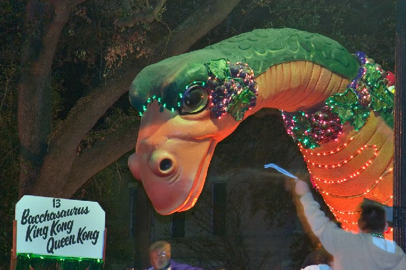 Bacchasaurus Super Float