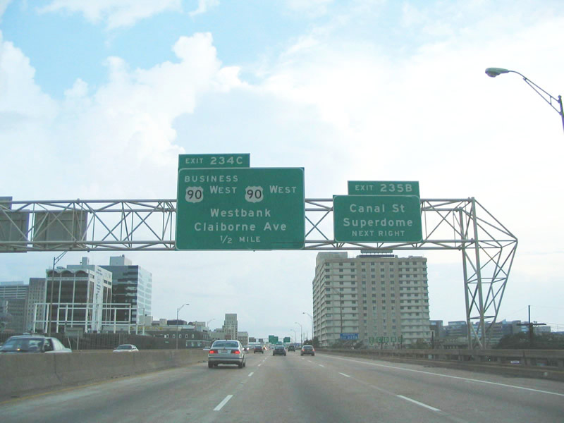 I-10 W West Bank Sign
