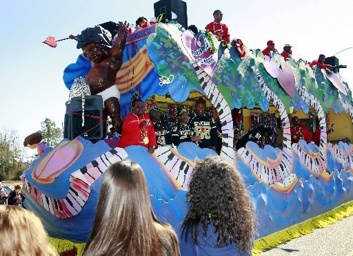 Slidell's Krewe of Claude Rolls 2011